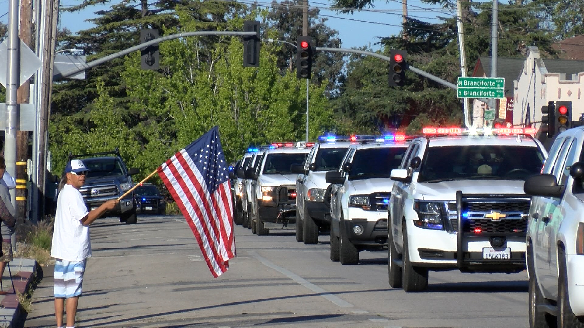Early Wednesday procession honors the life of fallen deputy