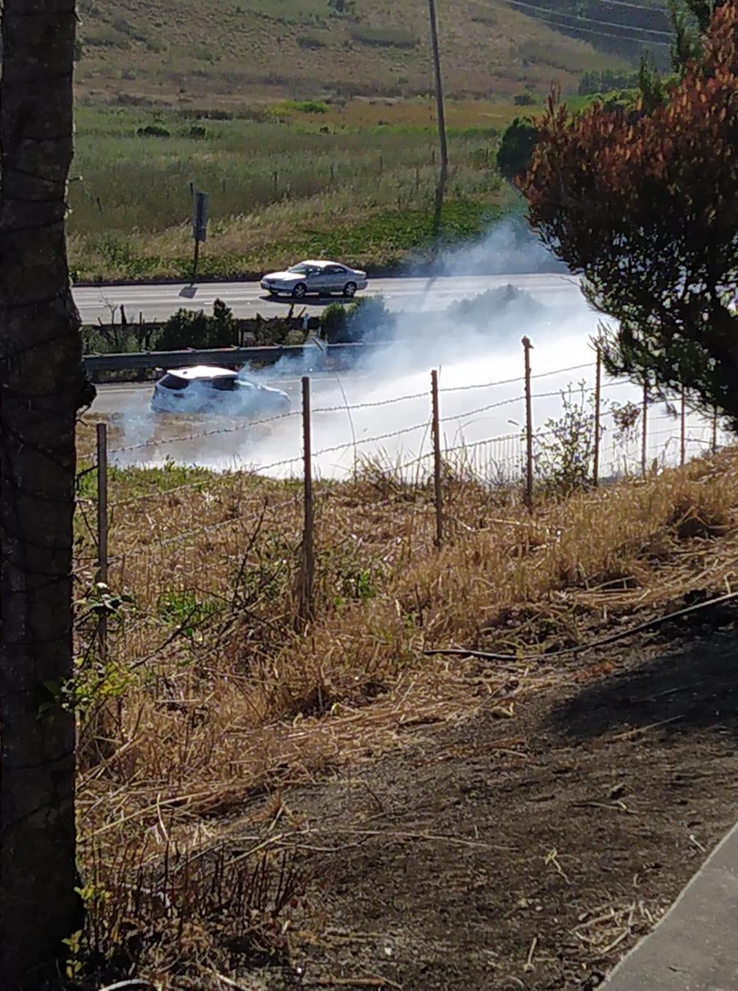 Watsonville firefighters respond to brush fire near Highway 1