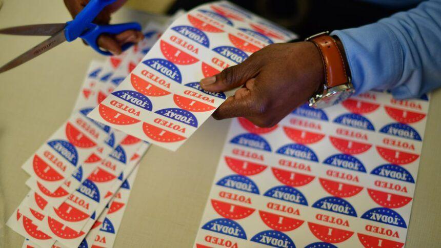 https___cdn.cnn_.com_cnnnext_dam_assets_201110112141-03-volunteer-voting-polling