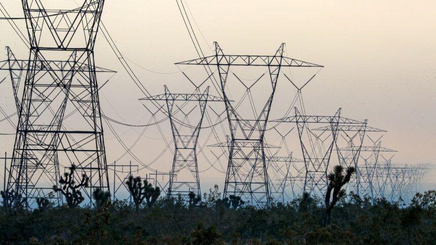 https___cdn.cnn_.com_cnnnext_dam_assets_201126152906-california-power-shut-off-wildfire-trnd-restricted