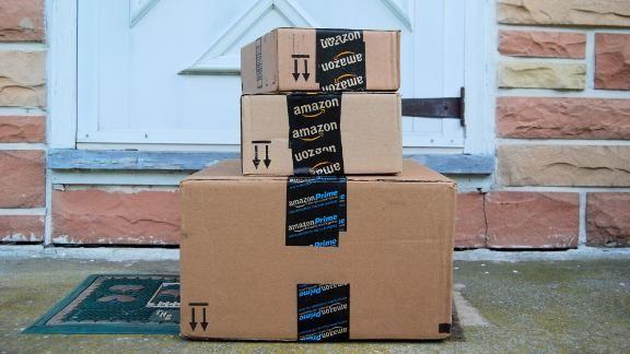 201215094002-amazon-packages-door-stock-live-video-1