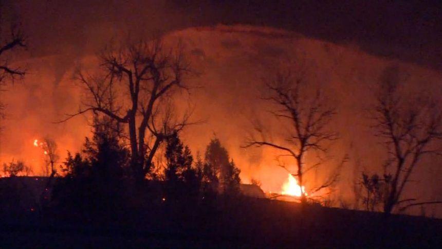 https___cdn.cnn_.com_cnnnext_dam_assets_210402040920-03-medora-north-dakota-wildfire-0401
