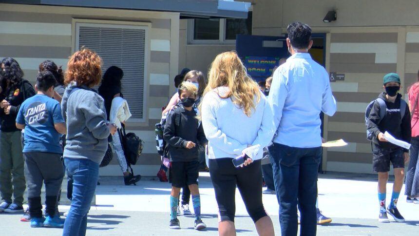 santa cruz school teacher vaccine mandate