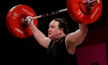Laurel Hubbard competing in the women's +87kg weightlifting finals.