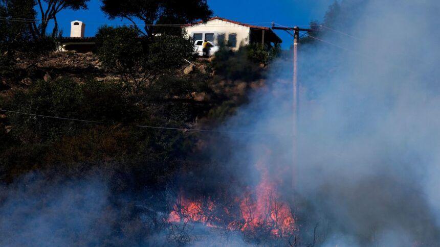 https___cdn.cnn_.com_cnnnext_dam_assets_211014000841-07-alisal-fire-california-goleta